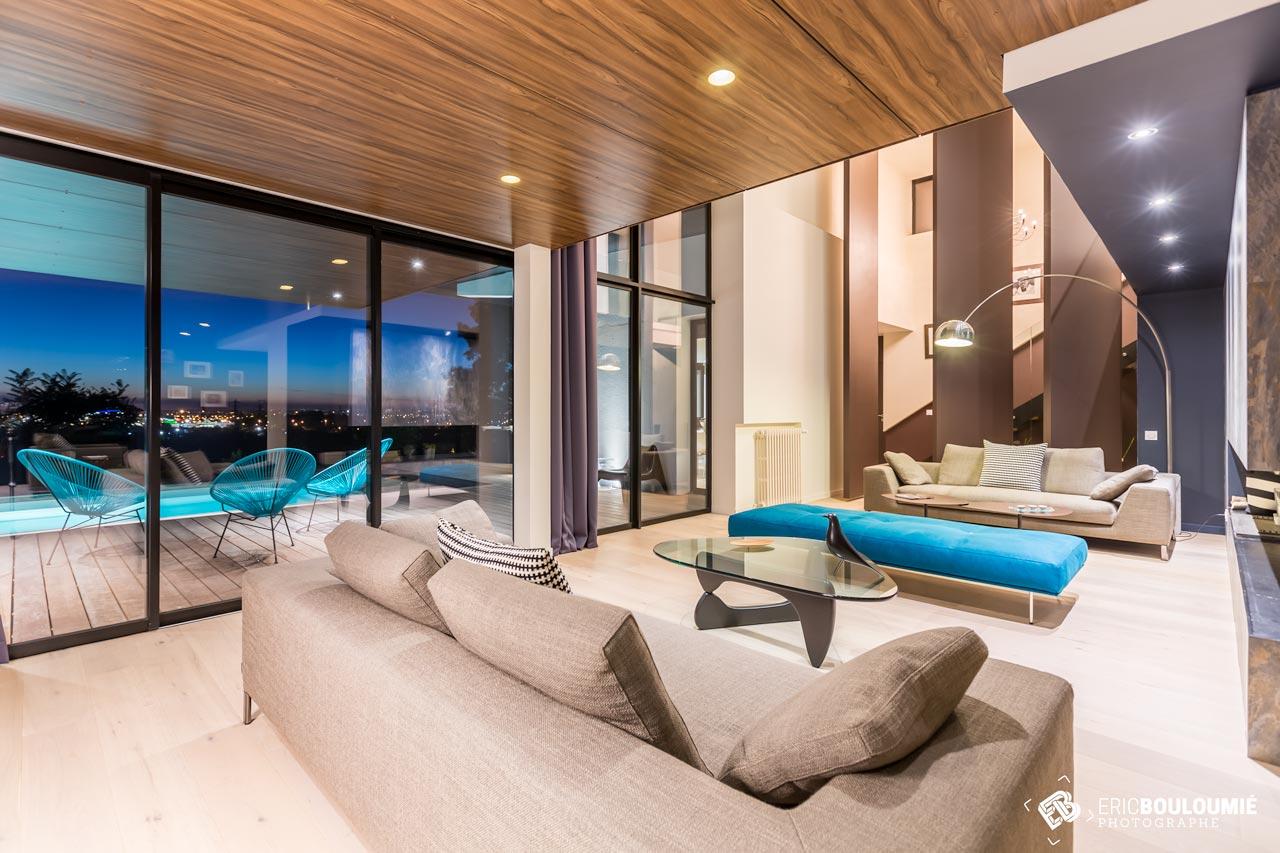 Projet d 39 architecture int grer le paysage la maison - Cheminee interieur maison ...