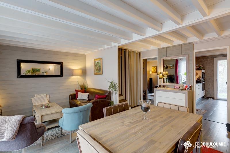 Photographe immobilier : Salon et Salle à manger d'une maison T5 sur canéjan