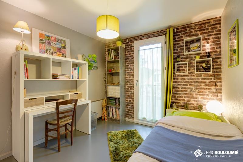 Photographe immobilier : Chambre d'une maison T5 sur canéjan